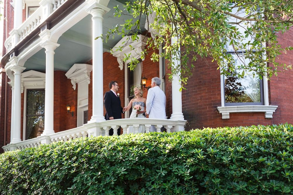Couple Getting Married on The Kehoe House's Steps