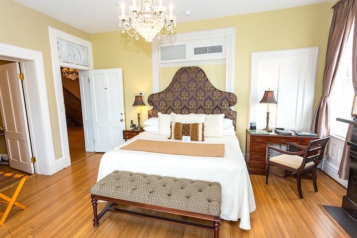 Oglethorpe Room at The Kehoe House